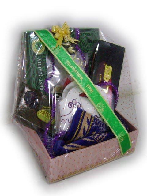 , parcel natal, parcel tahun baru, parcel makanan, parcel kue kering