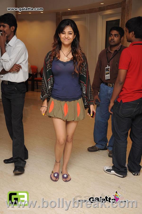 Meera Chopra Latest Hot Pics - 8 Pics
