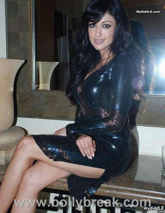 , Madhuri Bhattacharya Sexy Pics in Black Dress