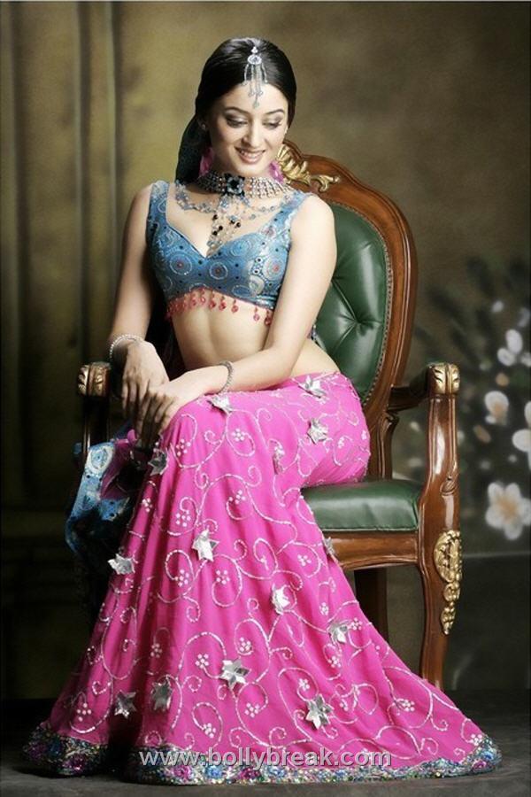 , Hot Indian Model in Lehnga Choli