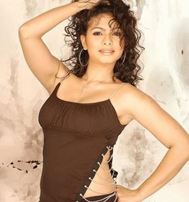 Tanisha Mukherjee sexy