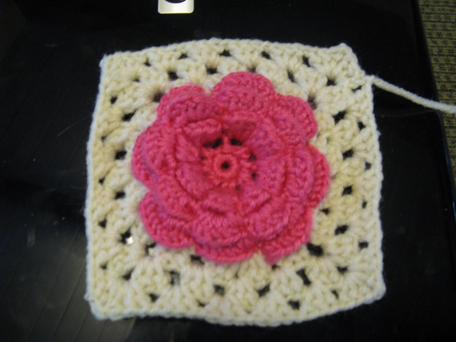 Zoetopia: Irish Rose Granny Squares!!!!!!!