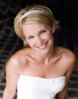 Short Bridesmaid hair styles. The short hair style is much easier to