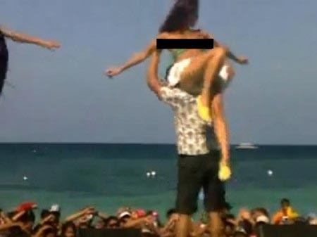 Anne curtis swimsuit malfunction video sexiest pinays - Swimming pool wardrobe malfunction pics ...