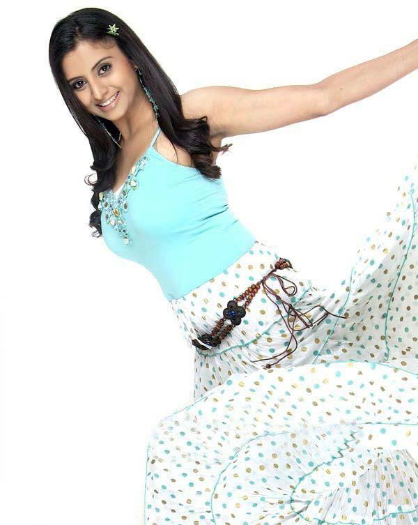 [Sunitha-Varma-photos+(4).jpg]