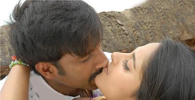 http://3.bp.blogspot.com/_pkcipyp9O94/S71zWI7bI8I/AAAAAAAAKMI/E6mxVBRU__o/s400/anushka-lip-to-lip-kiss-9.jpg