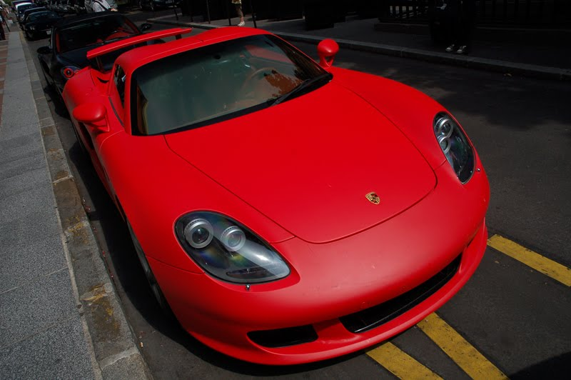 Flat Red Carrera GT: