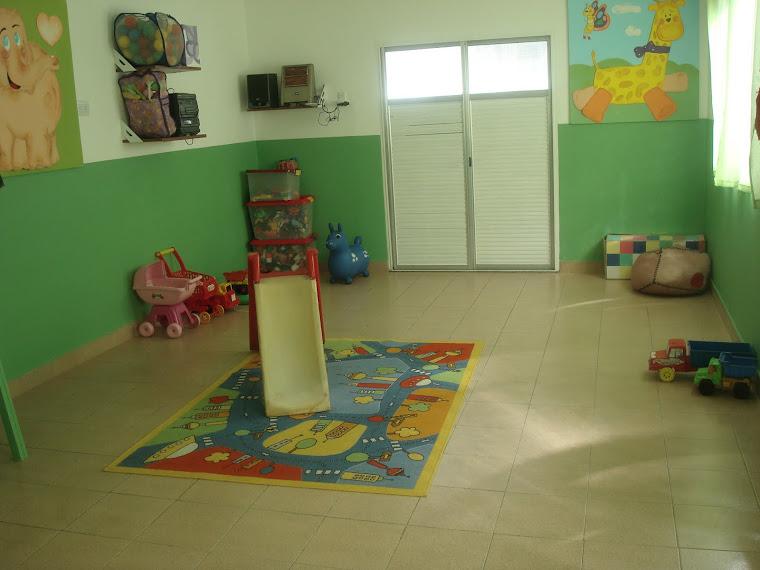 Ambientacion para sala maternal imagui for Decoracion jardin maternal