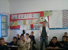 Si Ahmed,le maître d'arabe avec les enfants de 4ème A