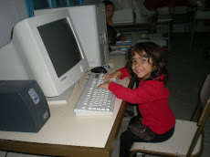 Jihène et son ordinateur!