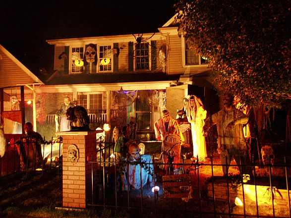 Go back gt gallery for gt halloween decorated houses inside
