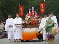 清少納言は枕草子の著者、紫式部は源氏物語の作者