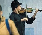 un violonist in metrou