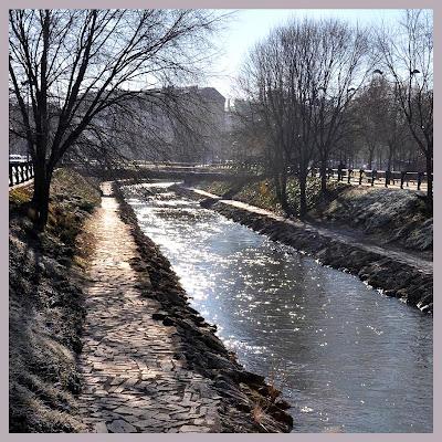 Domvs pvcelae bordado de musas con hilos de oro oh qu for Gimnasio rio esgueva