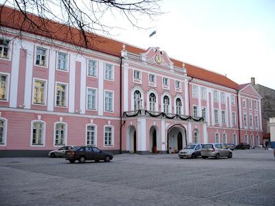 名所・史跡を訪ねて: エストニア...