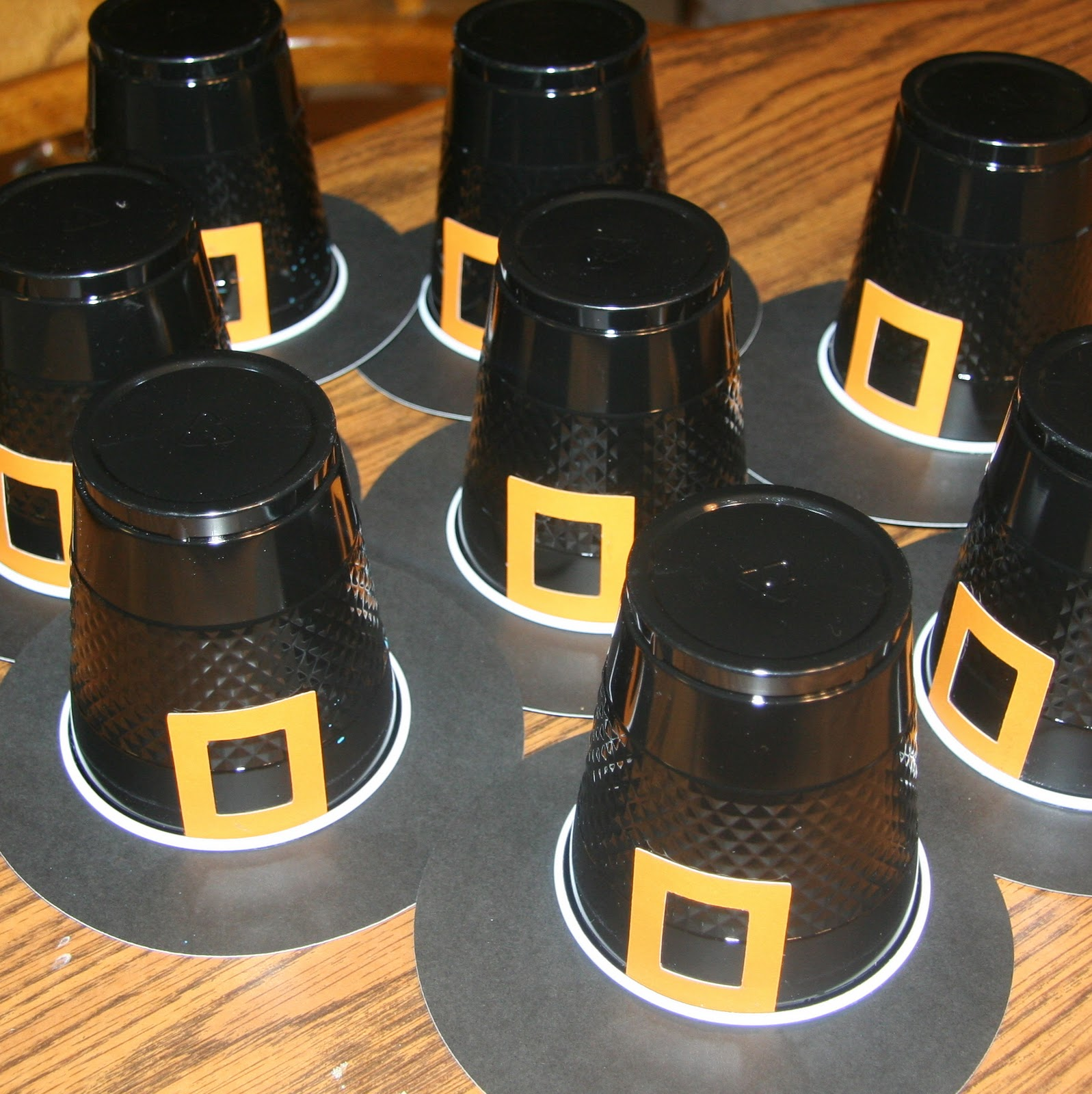 Thanksgiving pilgrim hat cups craft preschool education for Craft hats for kids