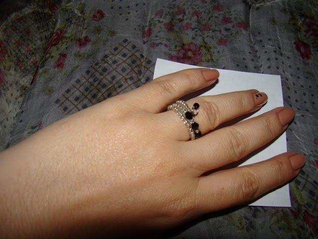 Inel spirala cu cristale negre - pret 12 ron-VANDUT