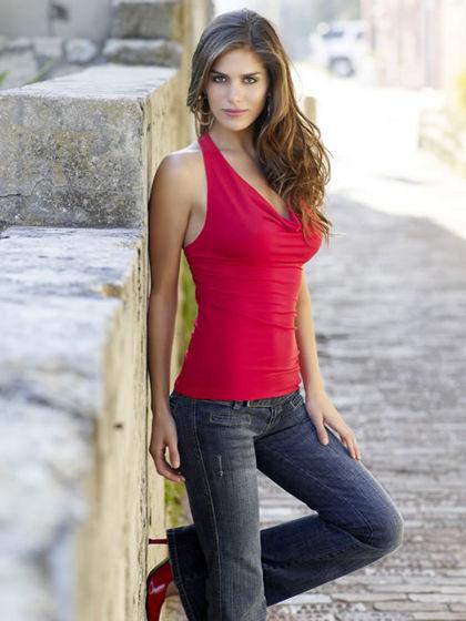 http://3.bp.blogspot.com/_psK9VMXlcTA/S8xYcFM05cI/AAAAAAAAAH4/xieyrcmMhmg/s1600/Clothes+for+Women.jpg
