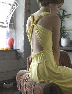 http://3.bp.blogspot.com/_pscZmi5av-g/Rlxlga3D5vI/AAAAAAAAAyQ/WuknXPDII6A/s400/yu+clothing+yellow.jpg
