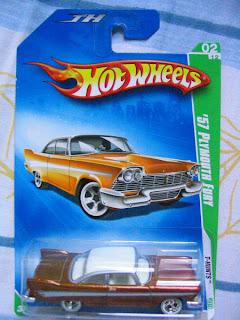 Hot-Wheels-Super-T-Hunt-57-Plymouth-Fury-0020_450x600.JPG