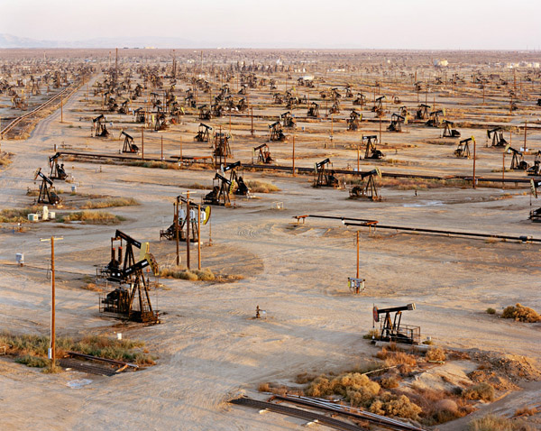 Edward Burtynsky - Oil Fields 19b