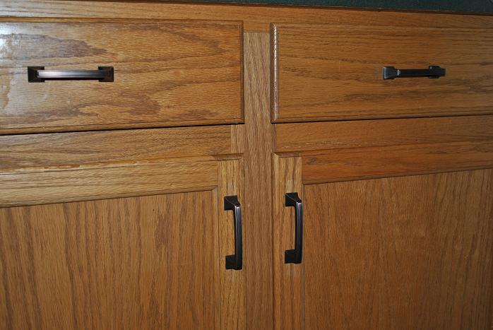 Oak Kitchen Cabinets With Bronze Hardware   Simple Switch Changing Your Cabinet  Hardware. Simple ...