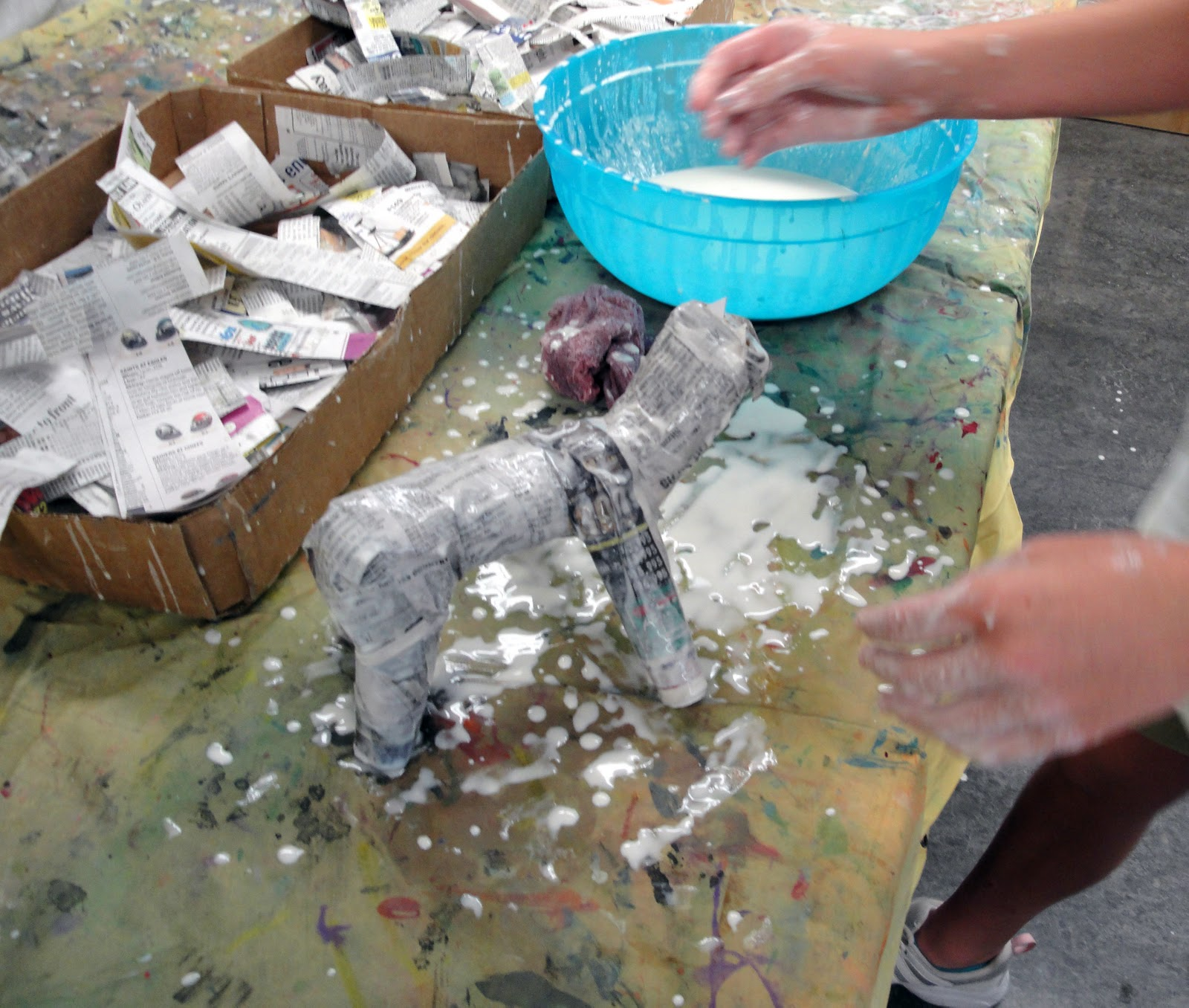 Paper mache horses mrs hood 39 s art room for How to do paper mache