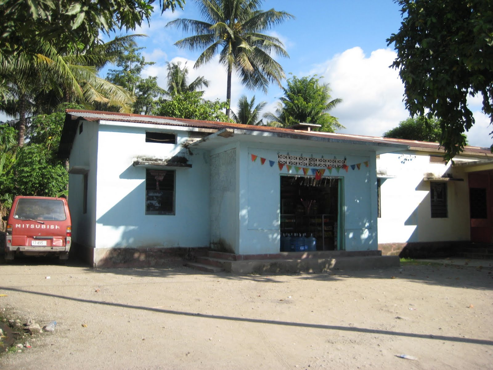 Aeroporto Comoro : Um ano em dili distrito chamado