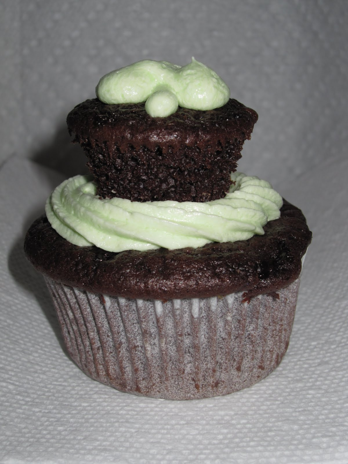 double-decker cupcake (a mini on top of a regular) - double ...