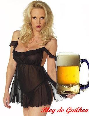 Mulher e cerveja