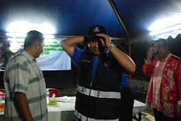 Simbolik pemakaian seragam SRS oleh  petugas