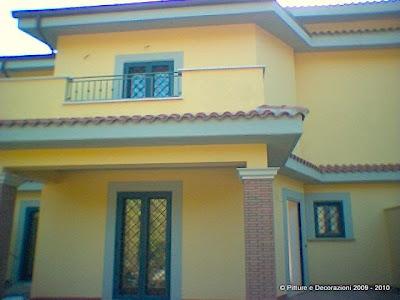 Pitture decorazioni tinteggiatura esterna con caparol muresko for Tinteggiare esterno casa