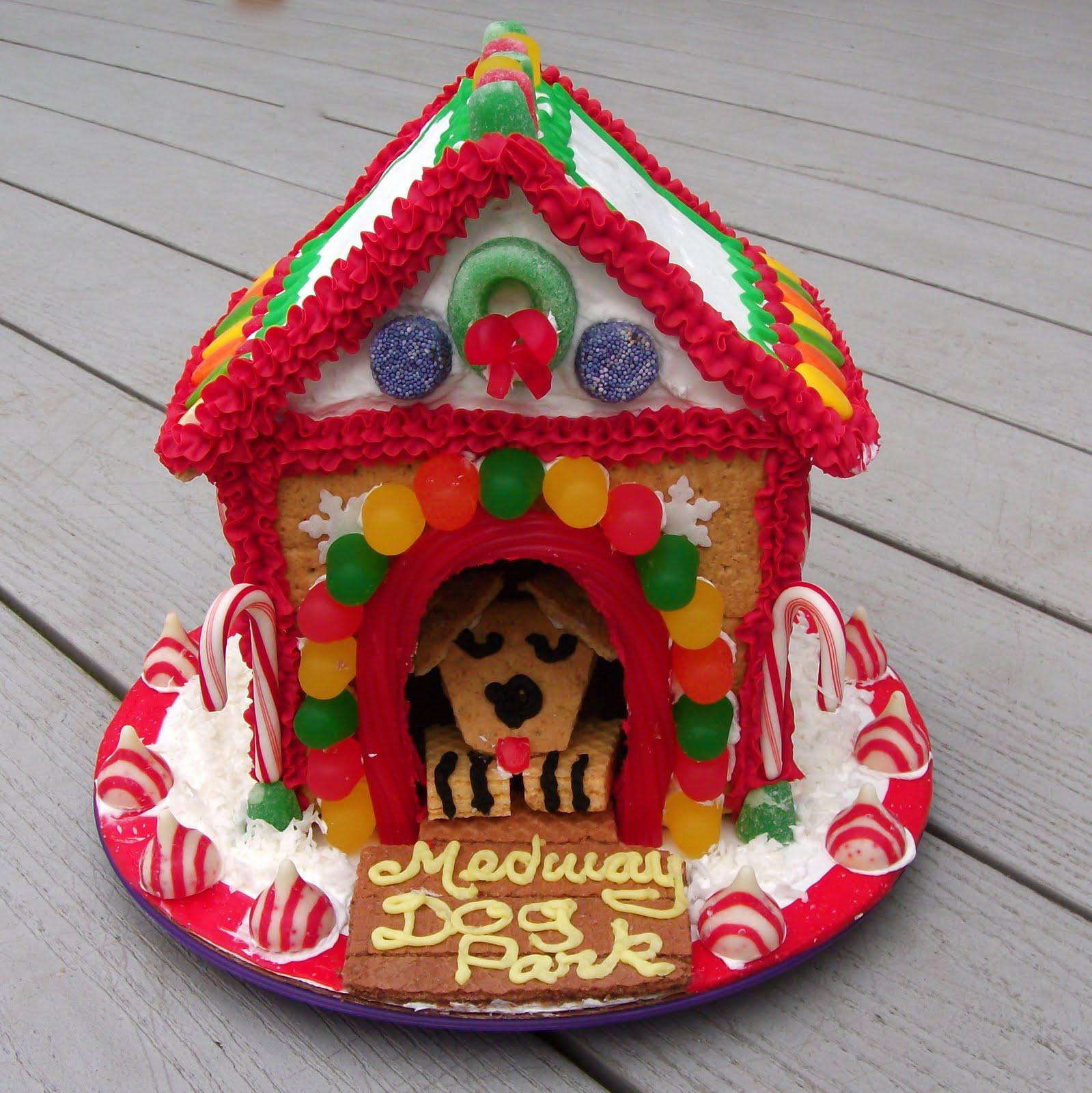 Graham Cracker Dog Houses
