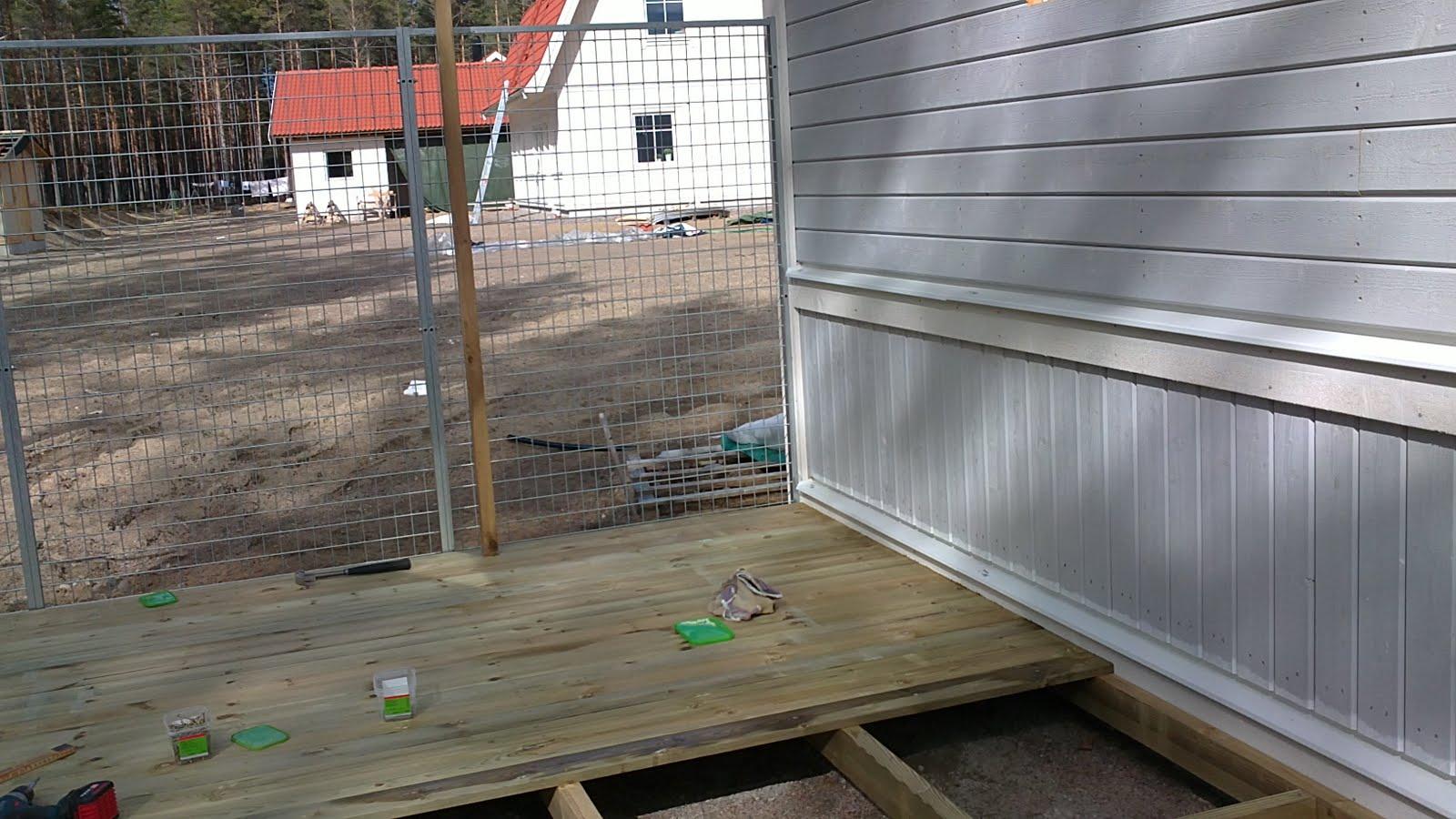 Vi har byggt ett Doppingen hus: Bygger hundgård