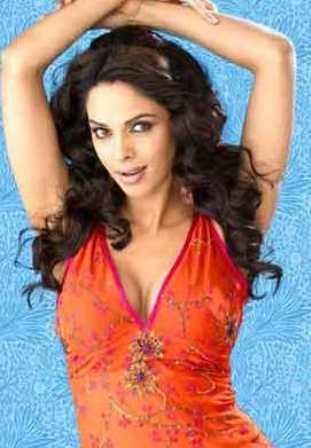 mallika sherawat hot scene