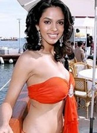 mallika sherawat in bed