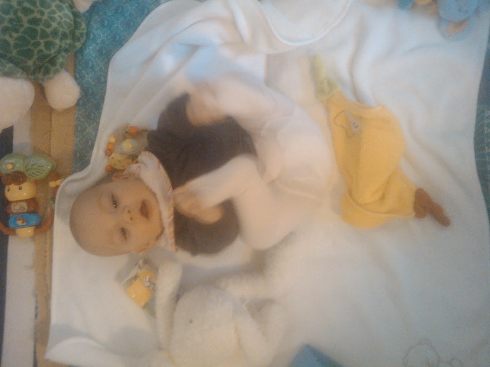 Baby Paula + Baby Leopold: Silvester - mein erster Zahn!