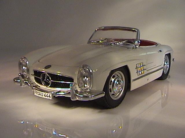 Auto galeria 1 18 eddie mercedes benz 330 sl roadster 1957 for Mercedes benz 330
