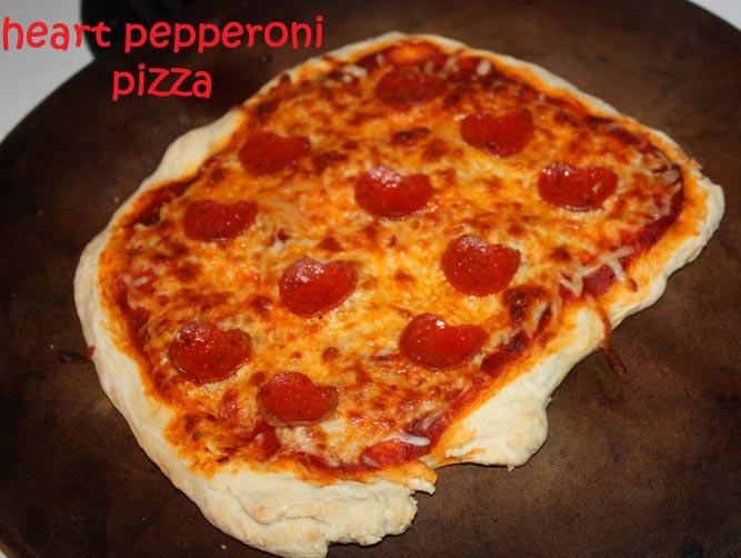 christy: valentine's day: heart pepperoni pizza, Ideas