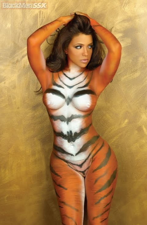 Vida guerra tiger body paint right. good