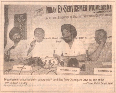 Ex-servicemen announce their support to BJP candidate from Chandigarh Satya Pal Jain at the Press Club on Tuesday