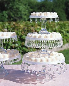 Pedestal Cake Stands A Unique Way To Dress Up Your Sweet Side La