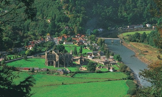 """lines composed a few miles above """"lines composed a few miles above tintern abbey"""" was written  he has been to this place a few miles from  lines composed a few miles above."""