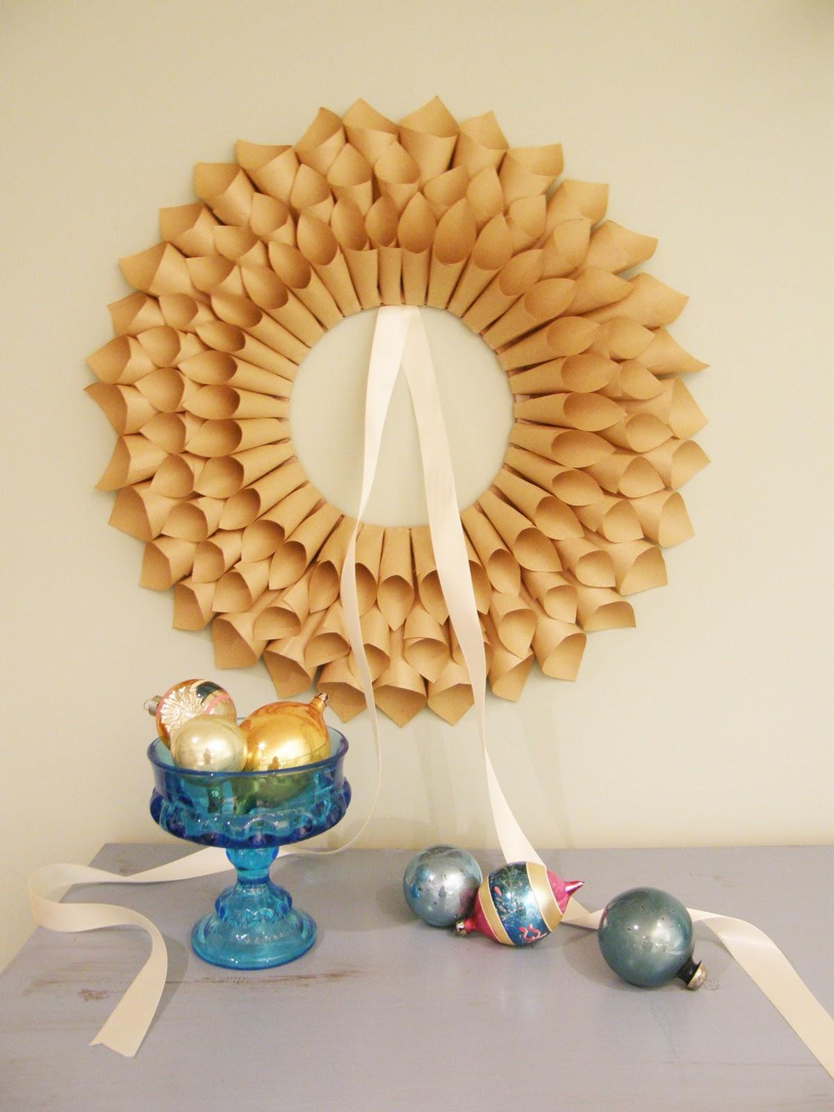 Pure green eco diy paper wreath - Manualidades de papel reciclado ...