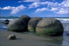 Fenomena Moeraki Boulders