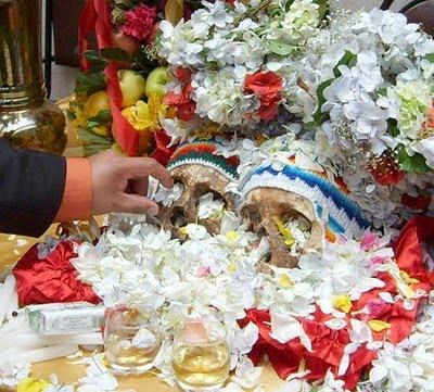 Peringatan Hari Tengkorak yang Unik di Bolivia - raxterbloom.blogspot.com