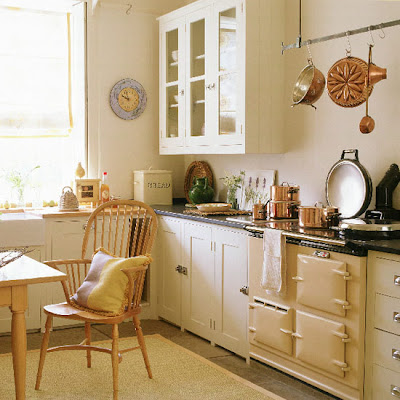 Knitty vintage and rosy kitchen ideas for Cream country kitchen designs