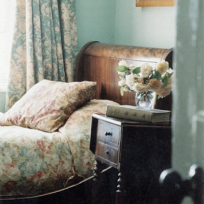 http://3.bp.blogspot.com/_qHzp1tbS6w0/SXozRJoiRjI/AAAAAAAABOw/rroGl85SesU/s400/french+bedroom+green.jpg