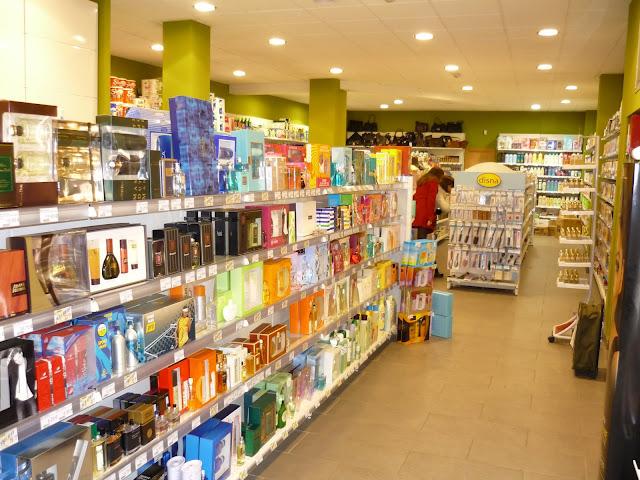 Perfumería Kombi. Avda Cristo, 17, Oviedo. Punto de venta Eva Rogado