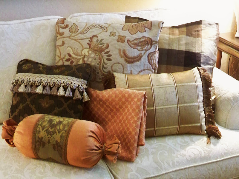 apple green and brown living room. tags eclectic style umiddot, Living room